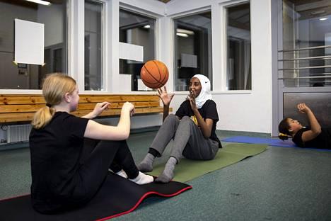 Duaa Anshur Aden pääsee kokeilemaan kykyjään nuorten maajoukkueessa.