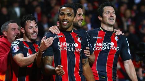 Bournemouth johtaa Championshipin pallonhallintatilastoa prosentillaan 58,1.