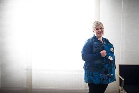 Tiede- ja kulttuuriministerin pestistä sivussa oleva Annika Saarikko on yhä suosittu puolueväen keskuudessa.