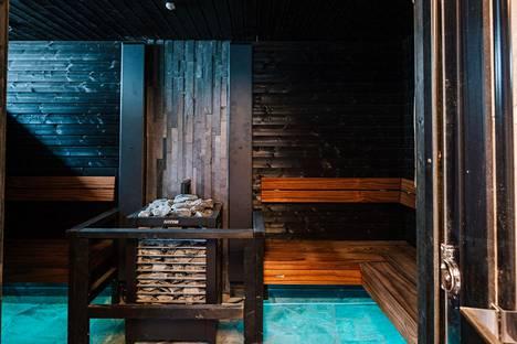 Asuntomessukohde Villa Mikaelin sauna sai kiitosta muun muassa toimivista ratkaisuista. Kuntoutus-, pesu- ja saunatilat muodostavat hienon kokonaisuuden. Löylyn kierto saunassa takaa hyvät löylyt.