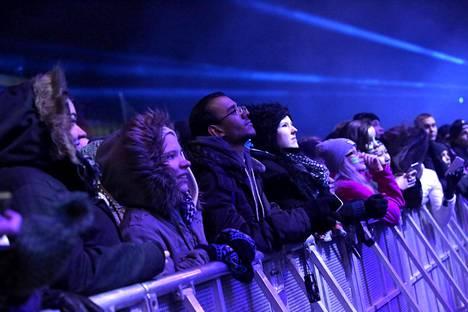 Kansalaistorilla oli kymmeniä tuhansia uudenvuoden juhlijoita.