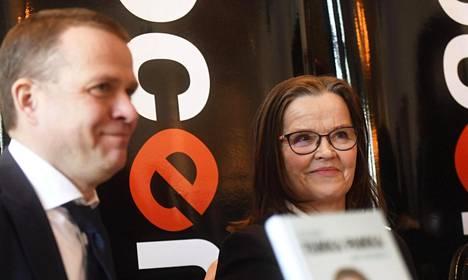 Valtiovarainministeri Petteri Orpo (kok) ja sisäministeriön kansliapäälliikkö Päivi Nerg puhuvat tuoreessa kirjassa vuoden 2015 turvapaikkakriisistä.