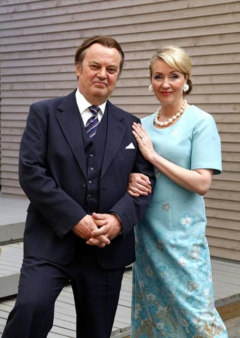 Juhani Laitala ja Katariina Kaitue. Katariina Kaitue on ensimmäistä kertaa näyttämöllä Tampereella. –Mun suuntavaisto on ehkä Suomen huonoin. Olen eksynyt tosi monta kertaa. Olen aina jossain väärässä paikassa, Katariina Kaitue kertoo.