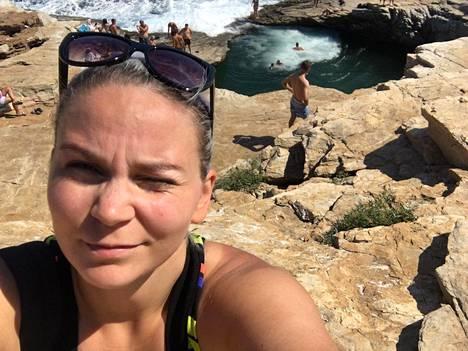 Karita Koppinen teki matkaoppaan töitä, mutta nyt suunnitelmissa on tapahtunut muutos.