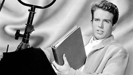 Moni Warren Beattyn teoksista on merkkitapaus, mutta silti tähdestä ei tiedetä liikoja. Mies on aina halunnut vetäytyä taka-alalle, hurmurin maineesta huolimatta. Hän on ollut naimisissa Annette Beningin kanssa 28 vuotta.