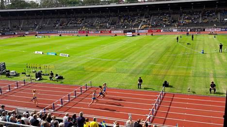 Tänne kentälle jänis kirmasi. Olitko paikalla Tukholman Olympiastadionilla? Lähetä kuva tai video, p. +358 40 660 9019.