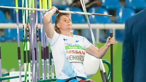 Marjaana Heikkinen voitti hopeaa parayleisurheilun MM-kisoissa.