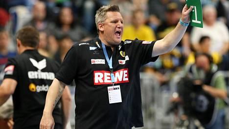 Menestysvalmentaja Nicolaj Jacobsenin ulkonäkö ei miellytä kaikkia.