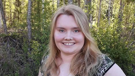 Ellinoora Takala on tullut tutuksi Järviradion kuulijoille. Koko Suomessa soivalla radiolla on kuulijoita myös muun muassa Ruotsissa, Saksassa ja Yhdysvalloissa.