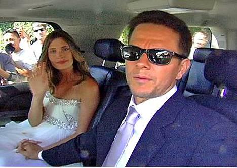 Rhea Durham ja Mark Wahlberg vihittiin viime lauantaina Beverly Hillsissä.