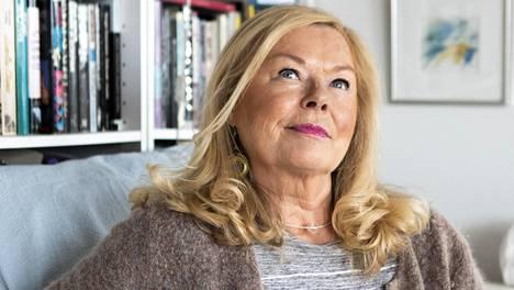 Tertta Saarikolla on ollut viime kuukausina jälleen raskasta, sillä hänen äitinsä Seija Järvinen kuoli toukokuussa. Hänen isäpuolensa Klaus Järvinen kuoli tammikuussa. Saarikko menetti myös läheisen ystävättären.