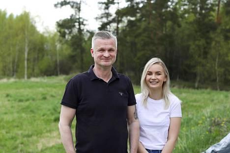 Heidellin tislaamo haluaa myydä tuotettaan suomalaisuudella eli puhtailla raaka-aineilla.