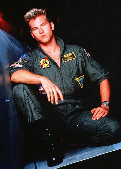 Nuorta lentäjäkomistusta näytellyt Val Kilmer oli 27-vuotias saadessaan roolin Top Gunissa.