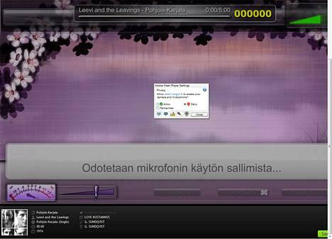 SingOnin karaokesovellus pyytää lupaa mirofonin käyttöön. Webbikameraa ei ainakaan toistaiseksi hyödynnetä.