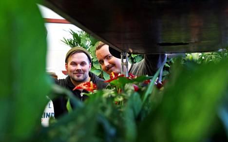 InnoGreenin Oula Harjulan ja Mikko Sonnisen mukaan Y-sukupolven työntekijöille raha ei ole tärkein tavoite.