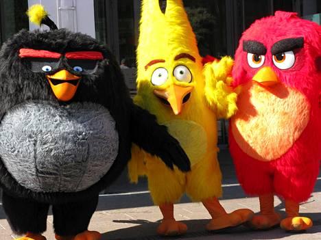 Angry Birds -elokuvan hahmot seikkailivat ensi-illassa Helsingissä viime perjantaina.