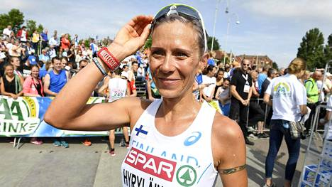 Anne-Mari Hyryläinen kuvattuna puolimaratonilla viime kesänä.