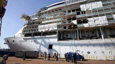 Turun telakalla rakennettu Freedom of the Seas oli valmistuessaan vuonna 2006 maailman suurin risteilijä. Elokuussa 2005 otetussa kuvassa alus oli vasta rakenteilla.