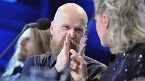 Alexander Bard on tunnettu Ruotsissa myös muun muassa Idols-ohjelman tuomarina. Kuvassa hän vieraili ohjelman Suomen-versiossa vuonna 2012.