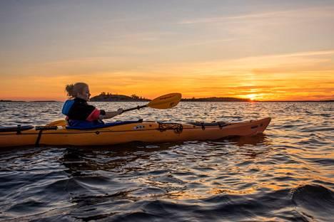 Ahvenanmaalla voi meloa sisäsaaristossa ja suojaisissa lahdenpoukamissa tai tehdä päiväretkiä lähisaariin.