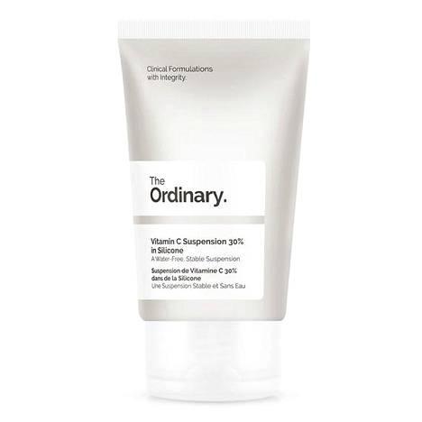 Edullinen ihonhoitomerkki The Ordinary tunnetaan suurista tehoainepitoisuuksistaan. The Ordinary Vitamin C Suspension 30 % in Silicone on vedetön liuos, joka sisältää 30 prosenttia puhdasta L-askorbiinihappoa, 17,50 € / 30 ml, Stockmann.