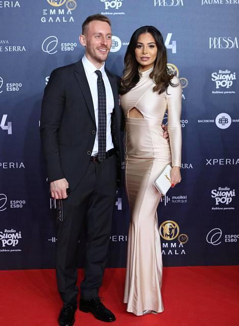 Sofia ja Niko Nousiainen menivät naimisiin vuonna 2012. Sofia otti tuolloin itselleen sukunimen Ruusila-Nousiainen.