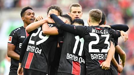 Bayer Leverkusen voitti FC Augsburgin.