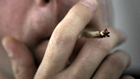 Marijuanan polttelu ei tee ihmiselle hyvää, sanoo uusi tutkimus.
