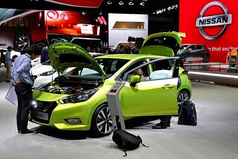 Viidennen sukupolven Nissan Micra on kaupunkiauto, joka on suunnattu erityisesti Eurooppaan, maailman suurimmille hatchback-markkinoille. Auto on valmistajan mukaan edeltäjäänsä matalampi, leveämpi, pidempi ja tilavampi. Moottorivalikoima käsittää 0,9-litraisen ja kolmisylinterisen turbobensiinimoottorin, joka kehittää tehoa 90 hevosvoimaa, yhtä tehokkaan 1,5-litraisen dieselmoottorin ja vapaasti hengittävän yksilitraisen bensiinimoottorin, jonka huipputeho on 73 hevosvoimaa. Uuden Micran myynti alkaa Suomessa loppukeväästä.