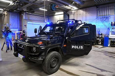 Uusia panssaroituja Mersuja tulee poliisiyksiköiden käyttöön 15 kappaletta vuosien 2018–2019 aikana.