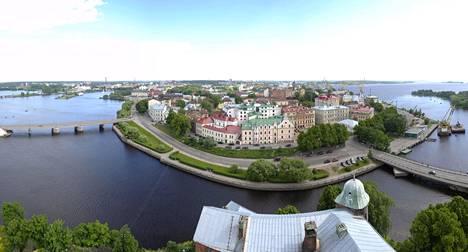 Näkymä Viipurin linnan tornista kuvattuna kesäkuussa 2012.