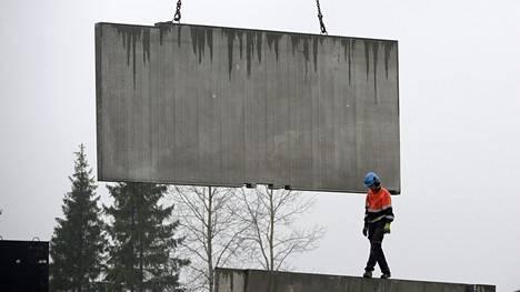 Kerrostaloa rakennetaan Vantaalla marraskuussa 2014