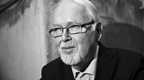 Antero Jyränki toimi muun muassa Turun yliopiston valtiosääntö- ja kansainvälisen oikeuden professorina vuosina 1980–98.