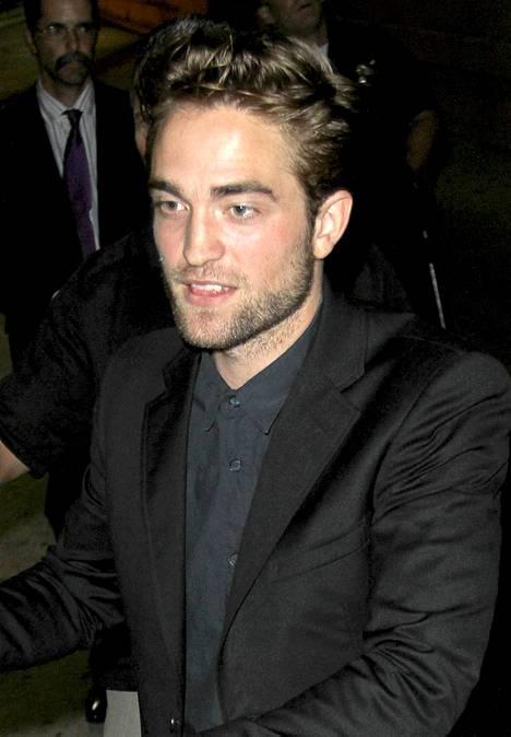 ...tämä taas oikea Pattinson.