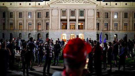 Protestoijia Arizonan Phoenixissa.
