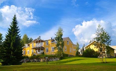 Kartanohotelli Karolineburg on Kainuun ainoa varsinainen kartano.
