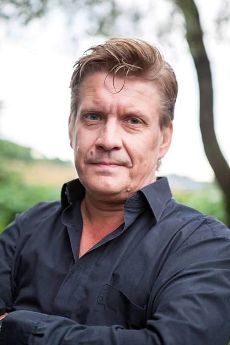 Santeri Kinnunen on loputtomiin asti kuullut, miten hänellä ja isällään Heikki Kinnusella on samanlaiset äänet.