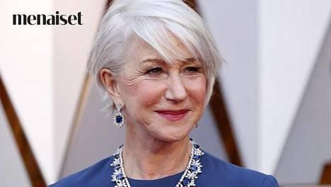 Heleä poskipuna kruunaa Helen Mirrenin meikin.