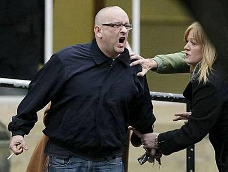 Laulajan veli Kevin otti tuomion raskaasti.