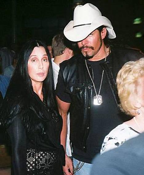 Cher ja Tim Medvetz aikovat amerikkalaislehden mukaan mennä naimisiin.
