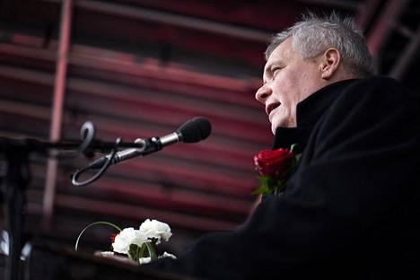 SDP:n puheenjohtaja Antti Rinne piti vappupuheen Lahden torilla vapunpäivänä tiistaina 1. toukokuuta 2018.