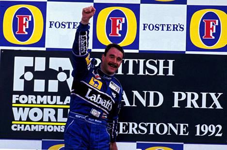 Nigel Mansell oli F1-kauden 1992 juhlittu sankari. Erityisen hyvin maistui voitto kotiyleisön edessä Silverstonessa.