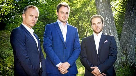 Jesse, Erick ja Tom ovat matkustaneet Yhdysvalloista Pohjolaan tapaamaan suomalaisia naisia tosirakkauden toivossa.