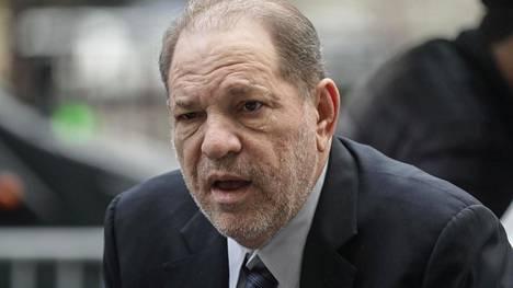 Harvey Weinsteinia syytetään useista seksuaalirikoksista.