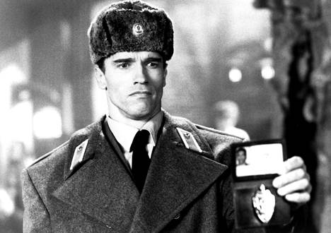 Schwarzenegger käy melkein aidosta neuvostopoliisista.