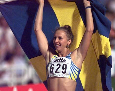 Ludmila Engquist juoksi 100 metrin aitojen MM-kultaa Ateenassa 1997.