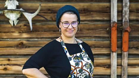 Anni Korhonen pyörittää Puukarin pysäkki -nimistä majataloa Valtimolla Pohjois-Karjalassa.