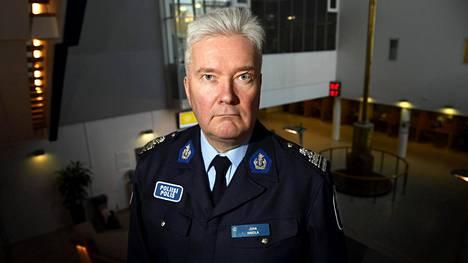 Helsingin poliisin viestintäjohtaja, ylikomisario Juha Hakola kuvattuna Pasilan Poliisitalolla Helsingissä 4. tammikuuta 2017.