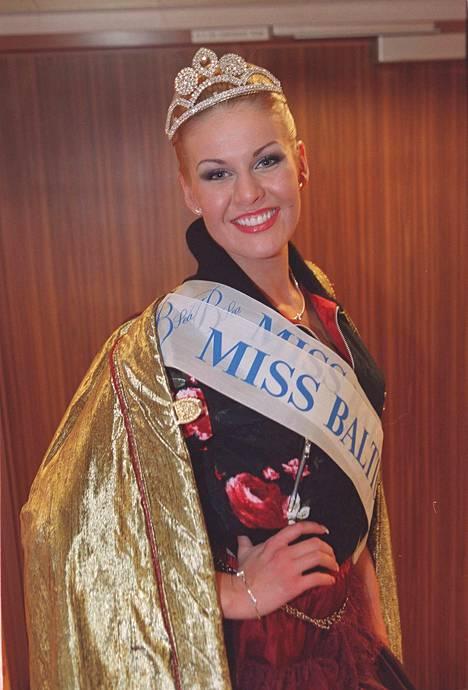 Anna Strömberg nappasi missivuotenaan voiton myös Miss Baltic Sea-kilpailussa.