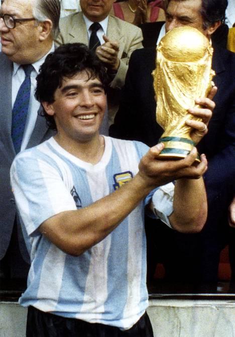 Argentiina voitti MM-kisat Maradonan johdolla 1986.